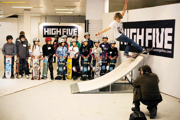 HIGH FIVE Skateboard Workshop